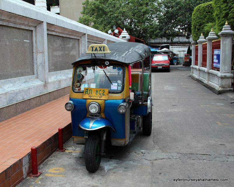 Tuk-tuk ile Bangkok sokaklarında dolaşmak...