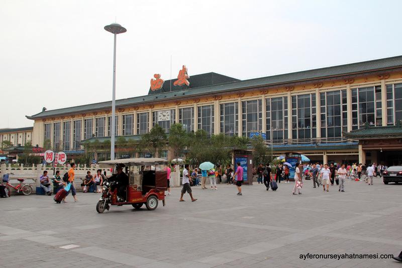 Xi'an Tren İstasyonu - Çin'de Tren Yolculuğu