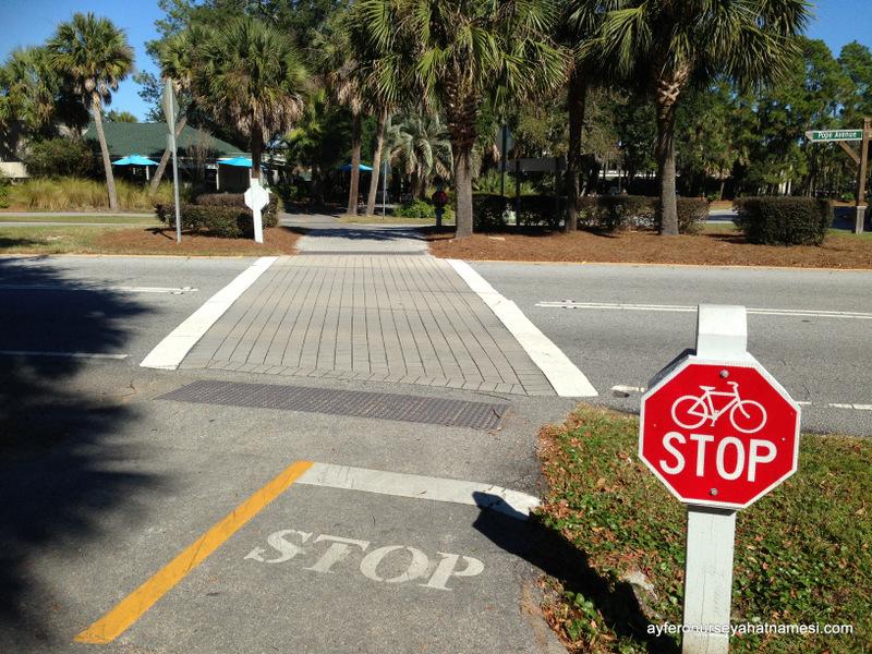 Bisiklet Yolu ve Trafik Levhaları