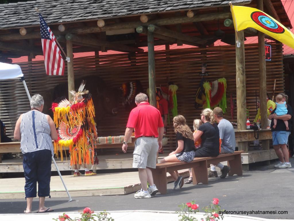 Cherokee Yerlilerinin gösterilerinden...