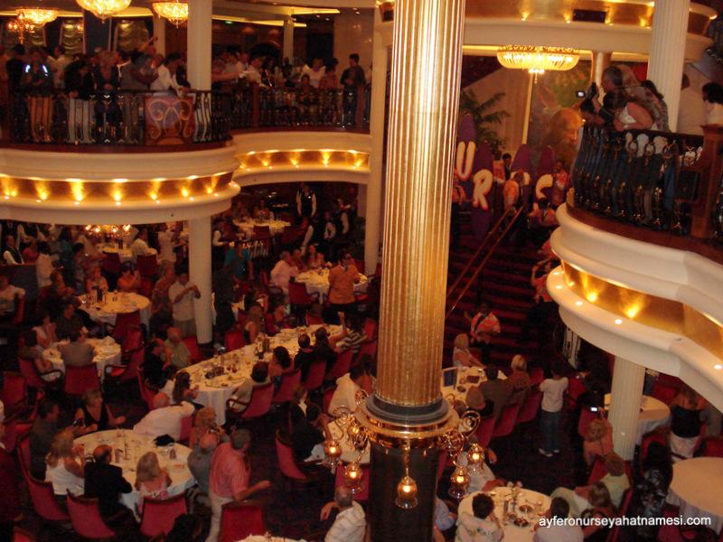 Ana Yemek Salonu - Freedom Of The Seas (Royal Caribbean Cruise Turu)