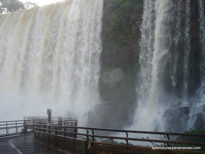 İguazu Şelaleleri sürat botu...