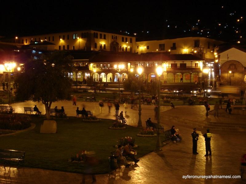 Cusco gecesi