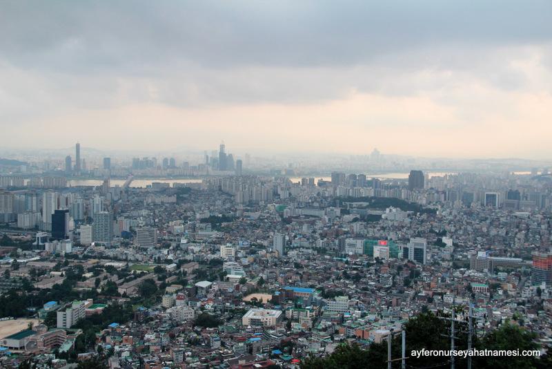 Seul Kulesinden şehir manzarası...