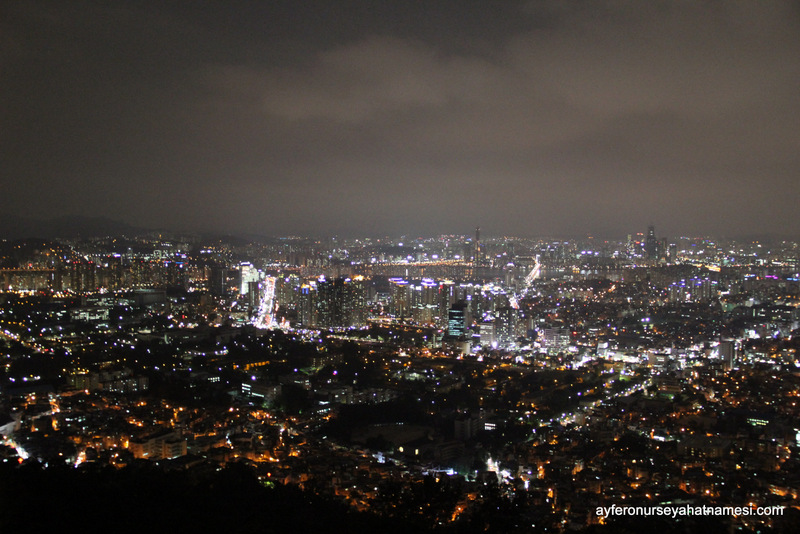 Seul Kulesi'nden gece manzarası...