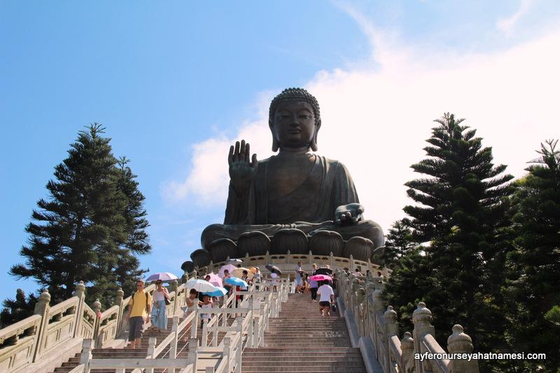Tian Tan Buddha - Büyük Buda gerçekten de büyükmüş :)