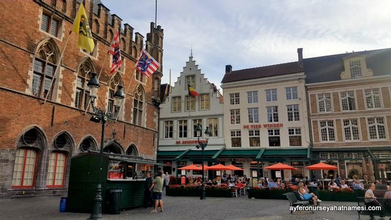 Market Meydanı, Brugge